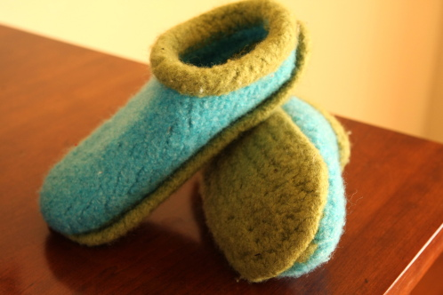 Felted Slippers Knitting Pattern : knitting wool slippers