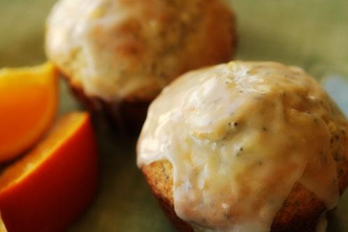 These Orange Glazed Poppy Seed Muffins look sooo good. Find the recipe ...
