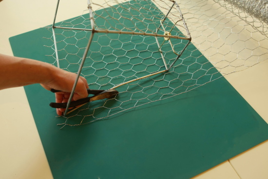 Remake old lampshade to fabulous chicken wire basket i keyboard keysfo Images