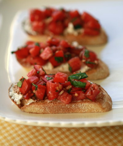 Tomato, Basil, and Goat Cheese Bruschetta from Make it Do